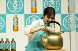 『やかんの麦茶 from 一』発売記念PRイベントに登場した小芝風花