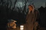 アソーカ&チャイルド=『マンダロリアン』シーズン2(ディズニープラスで独占配信中、最新話は毎週金曜更新)ついに登場、アソーカ・タノ(C)2020 Lucasfilm Ltd.