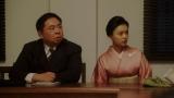 NHK大阪の会議室である話を聞かされる(左から)花車当郎(塚地武雅)と竹井千代(杉咲花)=連続テレビ小説『おちょやん』第22週・第108回より (C)NHK