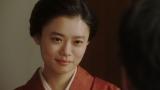 長澤と会話する千代(杉咲花)=連続テレビ小説『おちょやん』第22週・第108回より (C)NHK