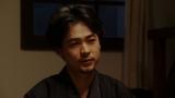 寛治にある頼み事をする一平(成田凌)=連続テレビ小説『おちょやん』第22週・第108回より (C)NHK