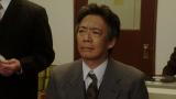 本番の様子を見守る長澤(生瀬勝久)=連続テレビ小説『おちょやん』第22週・第110回より (C)NHK