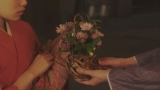 第47回(2月9日)鶴亀家庭劇初日、岡安に花籠が届いたシーン=連続テレビ小説『おちょやん』(C)NHK