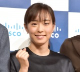 石川佳純、幼少期時代&母親との2ショット写真公開 「美人すぎる!」「笑顔がすてき」の声