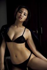 『FLASH』5月11日発売号に登場する水崎綾女(C)光文社/週刊FLASH 写真◎ND CHOW