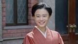 岡福の前で微笑む千代(杉咲花)=連続テレビ小説『おちょやん』最終週・第113回より (C)NHK