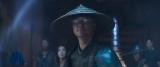 """地球上の戦士たちの指南役である""""ライデン""""(浅野)=映画『モータルコンバット』(6月18日公開)(C)2021 Warner Bros. Entertainment Inc. All Rights Reserved"""