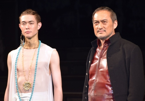 舞台『ピサロ』の初日前会見に登壇した(左から)宮沢氷魚、渡辺謙 (C)ORICON NewS inc.