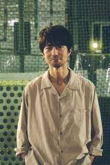 テレビ東京新ドラマ『八月は夜のバッティングセンターで。』でW主演を務める仲村トオル(C)テレビ東京