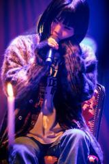 『MTV Unplugged』に出演するBiSHのアイナ・ジ・エンド photo by sotobayashi kenta