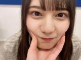 日向坂46・小坂菜緒の「あごのせ動画」=『日向撮VOL.01』公式ツイッターより