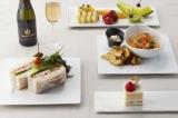 ホテル直営の「Bakery & Pastry Shop」にて焼き上げた高級食パン(極-KIWAMI-)を使ったサンドイッチや、ケーキセット、スパークリングワインなど