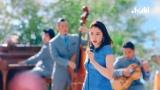 長澤まさみ「甘えたいなぁ…」 カメラ目線で甘いささやきと昭和歌謡曲熱唱姿に「NO.1女優」