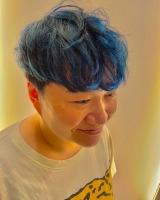 ブログでも青髪を披露した近藤春菜 (ブログより)