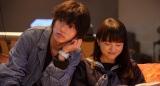 宗一郎(山崎賢人)が家族のように大切に思う璃子(清原果耶)(C)2021 映画「夏への扉」製作委員会