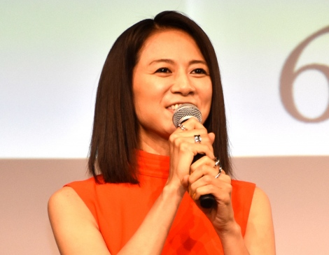 映画『女たち』の初日舞台あいさつに出席した篠原ゆき子 (C)ORICON NewS inc.