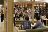 エキストラ1000人参加のダンス