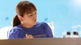 新TVCM「大とろ祭 はまい!」篇に出演する川口春奈=メイキングカット