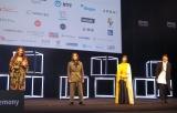 『ショートショート フィルムフェスティバル & アジア2021』のオープニングセレモニーに登壇した(左から)LiLiCo、山田孝之、剛力彩芽、別所哲也 (C)ORICON NewS inc.
