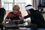 土曜ドラマ『コントが始まる』に出演する神木隆之介、菅田将暉(C)日本テレビ