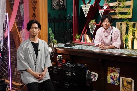『MUSIC BLOOD』のMCを務める(左から)千葉雄大、田中圭(C)日本テレビ
