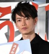 佐藤健、Takaは「嫁です(笑)」