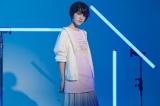 YOASOBIとユニクロのグラフィックTシャツブランド「UT」がコラボレーションした「YOASOBI UT」