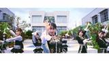 昼と夜のプールサイドでキレキレダンスを披露するNMB48