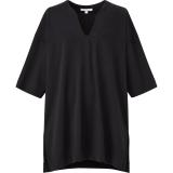 エアリズムコットンオーバーサイズT(5分袖)ブラック(XS〜XXL)1,990円(税込)