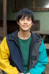 特撮ドラマ『超速パラヒーロー ガンディーン』(NHK)で主演を務める俳優の奥野壮 (C)NHK