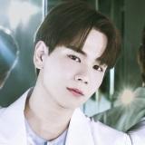 JO1 4THシングル「STRANGER」個人アーティスト写真・豆原一成(C)LAPONE ENTERTAINMENT