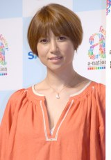 hitomi、ピンク系に髪色チェンジ「似合ってます」「可愛くて素敵」