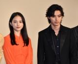 映画『夏への扉 −キミのいる未来へ−』の初日舞台あいさつに出席した(左から)清原果耶、山崎賢人 (C)ORICON NewS inc.