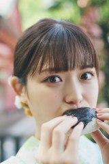 松村沙友理 卒業記念写真集『次、いつ会える』パネル展より「次、なに食べる?」(SHIBUYA TSUTAYA)