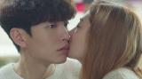 ほっぺにキス=韓国ドラマ『Oh!ご主人様〜恋ができない僕とカノジョの同居生活〜』Amazonプライム・ビデオで6月23日より独占配信(C)2021MBC