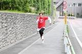テレビ朝日のミニ番組『全力坂』7月から月に2回男性が走る企画「第1・第3木曜日はイケメンが走る坂!」がスタート(C)テレビ朝日