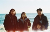 海辺にて。photo by チェ・ヒソ=映画『アジアの天使』(公開中)オフショット(C)2021 The Asian Angel Film Partners