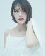 若月佑美2nd写真集 楽天ブックスカバー(C)嶌村吉祥丸/小学館