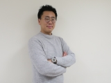 NHKラジオ第1(R1)特集番組『古家正亨とジェジュンのPOP★A』MCを務める古家正亨