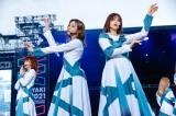 (左から)櫻坂46・小林由依、渡邉理佐=『W-KEYAKI FES.2021』初日公演より Photo by 上山陽介