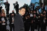 第74回カンヌ国際映画祭授賞式のレッドカーペットを歩く濱口竜介監督(C) Kazuko WAKAYAMA