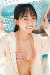『プラチナムSTRiKE!』裏表紙に登場する豊田ルナ(C)カノウリョウマ/主婦の友インフォス