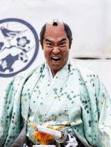 『武士スタント逢坂くん!』に出演する高嶋政宏 (C)NTV/JS