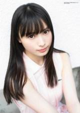 梅山恋和、17歳最後の制服姿