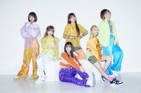 尼神インター誠子(右端)がインフルエンサー5人とRocket Punchのダンスカバー動画に挑戦