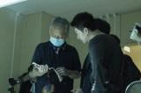 映画『護られなかった者たちへ』メイキング写真=主人公・利根泰久を演じる佐藤健(C)2021映画『護られなかった者たちへ』製作委員会