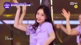 韓国の8人組アイドルグループ「FANATICS」のセンター&メインラップを担当するキム・ドア
