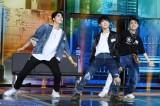 次世代ボーイズグループ発掘オーディション『LOUD』第6話でJ.Y.Parkからスター性を絶賛されたケイジュ(中央)