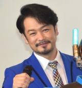 純烈・小田井、山本康平をイジる