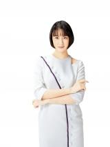 日本初となる医療用と同量配合されたせき止め薬「メジコンせき止め錠Pro(第2類医薬品)」のCMに出演する山本美月